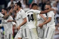 Los abrazos son para Benzema, autor de un doblete en el triunfo del Real Madrid.