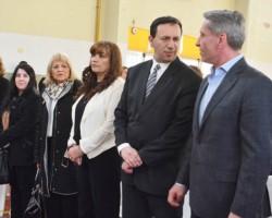 El gobernador encabezó en Trelew, una nueva entrega de equipamiento tecnológico para las escuelas.