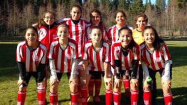 Las jóvenes de Racing Club superaron por 7-0 a Río Mayo.