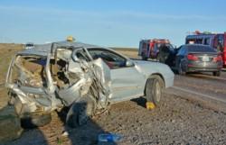 El Megane quedó con su parte trasera destruida tras el impacto del BMW. (Foto: Sergio Esparza / Jornada)