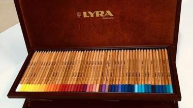 Esta exclusiva caja de lápices importados será parte de la premiación.