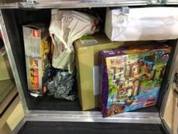 La AFIP desmintió a la AFA con fotos y mostró la mercadería que no fue declarada.