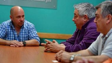 Trío. Desde la izquierda, Sastre, Mutio y Núñez en el despacho central.