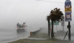 Estragos del huracán Florence en Carolina del Norte: 500 mil sin luz y 20 mil en refugios.