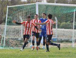 Apenas comenzaba el partido, a los 20 segundos, Rivadeneira marcó el primer gol de la Academia.