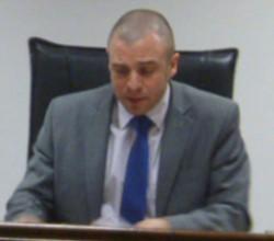El juez Novarino presidió el acto.