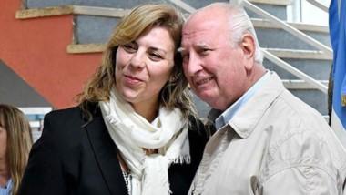 Natalia Donati entregó el reconocimiento a su papá Claudio.