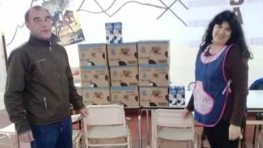 Larga vida. Una postal del alimento que recibió la Escuela 586 de Corcovado gracias a la Secretaría de Pesca.