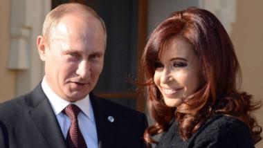 La diputada del Frente para la Victoria-PJ Mayra Mendoza le pidió en persona al presidente de Rusia, Vladimir Putin,