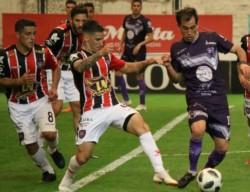 Chacarita cortó la mala racha y obtuvo su primer triunfo en la B Nacional al vencer 2-1 a Villa Dálmine con goles de Lentini y Vazzoler.