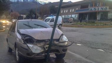 El fuerte choque tuvo lugar en la esquina de Thomas Holdich y Ameghino de la ciudad cordillerana.