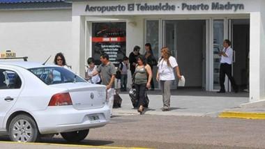 Evalúan los pedidos de rutas aéreas realizados por dos compañías para operar en el Aeropuerto El Tehuelche.