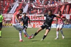 Argentinos, que se quedó sin su DT Carboni, juega de local ante Talleres.