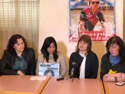 Ana Marcos, la viuda de Ricardo Silvi (segunda desde la der.) junto a familiares de otras víctimas de muertes en siniestros viales.