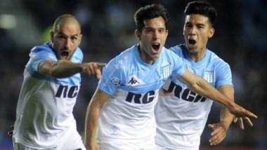 Racing venció a Unión por el cabezazo de Solari y sigue siendo puntero de la Superliga.