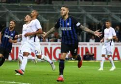 Icardi, de penal, abrió el marcador en la victoria del Inter.