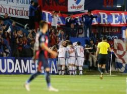 Nacional le dio vuelta la serie a San Lorenzo y está en cuartos de final.