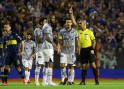 Conmebol anuló expulsión de Dedé, pero Boca apeló el fallo.