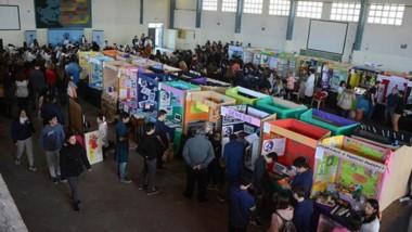 Alrededor de 60 proyectos de escuelas se exhibieron en la Feria.