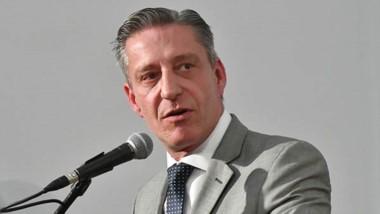 """Enojo. Arcioni dijo que Nación está extorsionando con la """"billetera""""."""