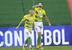 En el Florencio Sola, Defensa y Justicia le ganó 2-0 a Banfield y se clasificó a los cuartos de final.