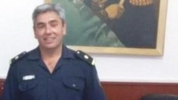 El subcomisario acusado de hacerse masajear por las detenidas.