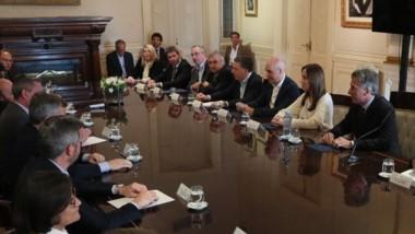 El presidente se reunió con gobernadores para buscar los consensos.