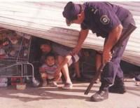 Las mujeres llevaron niños en brazos cuando saquearon el supermercado. (Imagen ilustrativa)