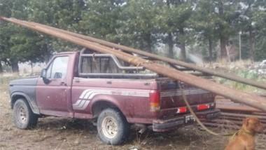 La camioneta Ford F-100 fue secuestrada por la Policía de Esquel.