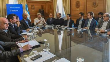 Serios. El ministro de Economía, Alejandro Garzonio, durante el encuentro con Frigerio en Buenos Aires.