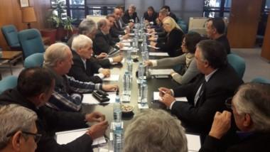 Cumbre. Una postal de la reunión dirigencial para buscar alternativas al ajuste de la gestión Macri.