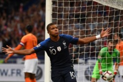 Mbappé marcó el primer tanto de Francia en el triunfo ante Holanda.