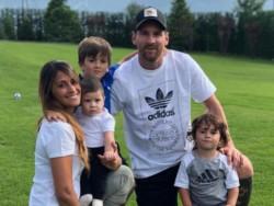 La foto familiar de Messi y ¿un guiño a la Selección Argentina?