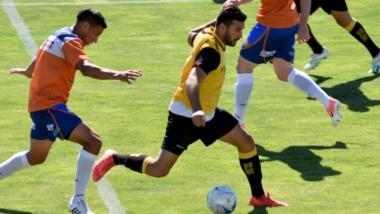 En el partido entre titulares, los goles del triunfo por 2-0 de Deportivo Madryn ante J.J. Moreno fueron convertidos por Brian Uribe y Jorge Gaitán.