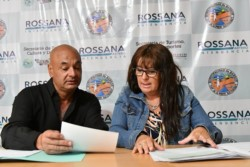 Marín durante las aclaraciones oficiales sobre los feriantes en Playa.