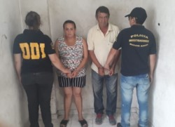 La madre de la adolescente junto a su padrastro fueron detenidos por la policía. También corrió la misma suerte el dueño de la casa.