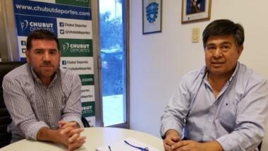 Walter Ñonquepán recibió en su despacho ayer a Javier Treuque, donde dialogaron sobre diversos temas vinculados al fútbol chubutense.