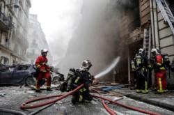 Ascienden a 50 los heridos por la explosión en una panadería de París: 12 de ellos están en grave estado.