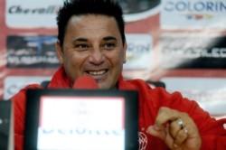 El técnico de Huracán opinó sobre las figuras que debería contratar el presidente de la Asociación de Fútbol Argentino en reemplazo de Scaloni.