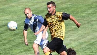 Deportivo Madryn, que se prepara para jugar la Reválidad y la Copa Argentina, recibió ayer temprano a Newbery de Comodoro, que jugará el Regional.