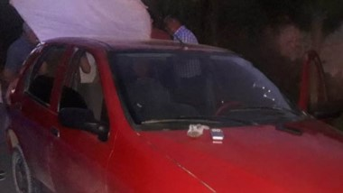 Las dos personas transportaban marihuana en un vehículo Fiat Palio.