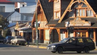 El brote que comenzó en Epuyén tuvo un impacto en toda la zona cordillerana y la temporada de verano prácticamente está perdida.