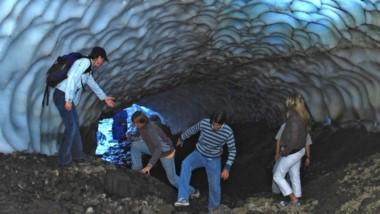 Los túneles de hielo en el cerro La Torta, en Esquel