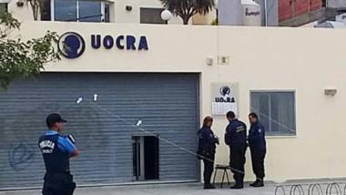 La sede de la UOCRA portuaria de la calle Escardó al 100 amaneció con balas en sus paredes. Hubo sorpresa.