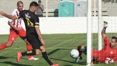 Deportivo Madryn superó claramente a Independiente de Neuquén y se instaló en la siguiente fase donde se medirá con Sol de Mayo de Viedma.