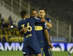 Wanchope festeja su gol. El penal fue mal cobrado. Boca sufrió más de la cuenta para vencer a Aldosivi.