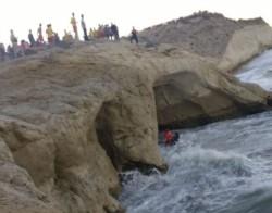 Los guardavidas llevaron al bañista a otra cueva para luego elevarlo