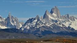 ADN Sur ?   @ADNsur  2 hHace 2 horas Más Falleció un escalador en Cerro Fitz Roy y hay 2 desaparecidos.