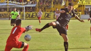 El domingo, Deportivo Madryn goleó por 3-0 a Independiente de Neuquén  y clasificó a la siguiente fase.
