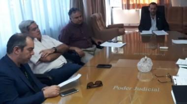 Cumbre. El ministro del Superior, Alejandro Panizzi, presidió una nueva reunión del Tribunal Electoral Provincial.